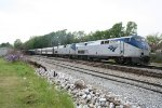 AMTK 835 and AMTK 185 lead a late northbound Cresent