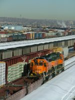 BNSF units at work on a cold day