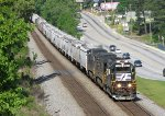 NS 348 pulling hard from Austell