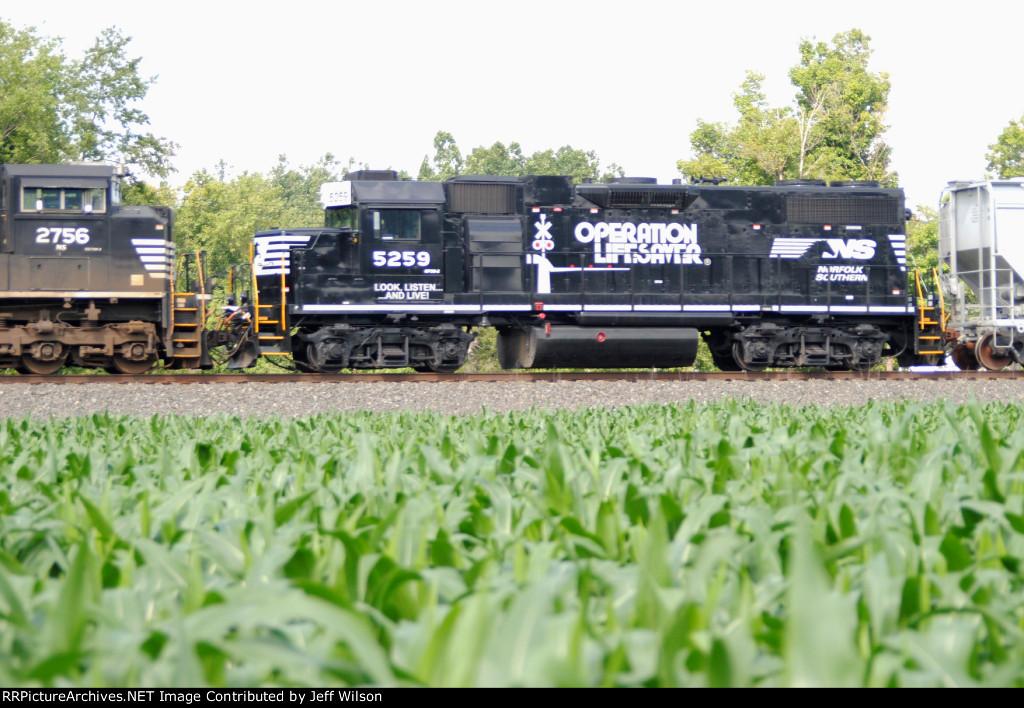 Very nice and shiny OLS locomotive