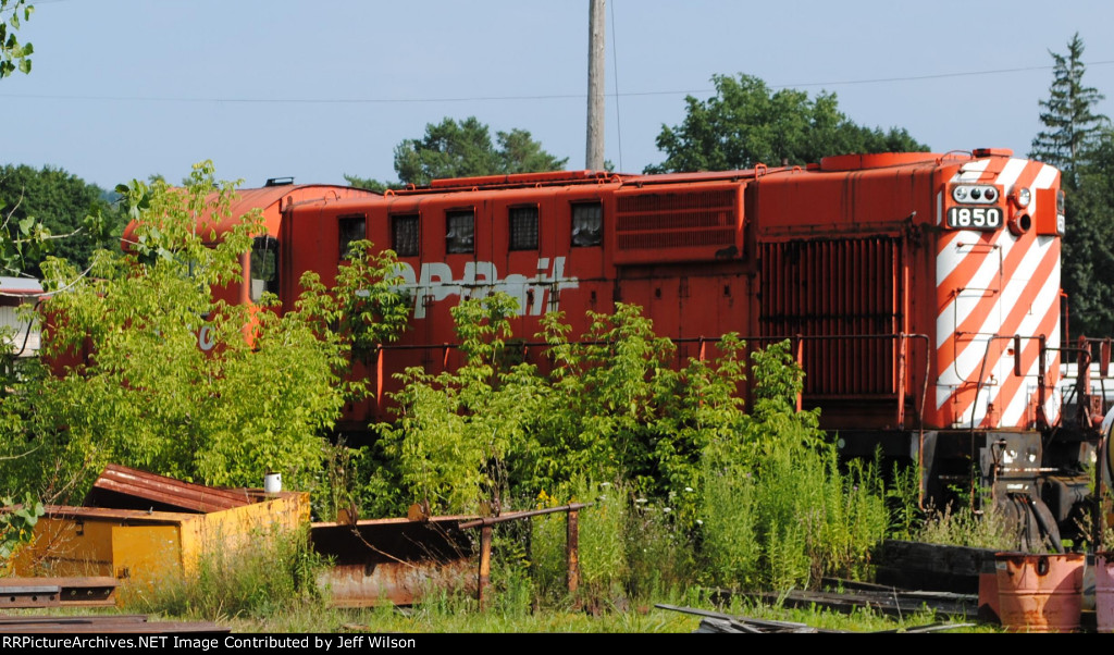 Former CP RS 18U now a parts unit for the O & H