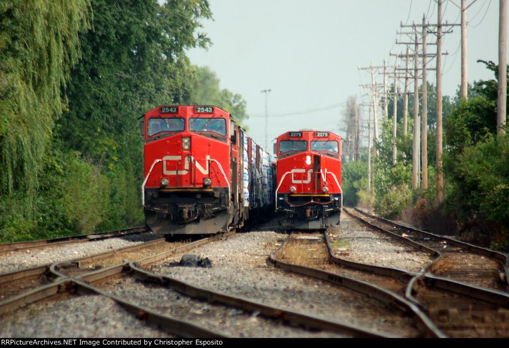 CN 9-44CW 2543 & ES44DC 2279