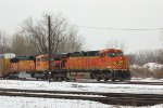 BNSF ES44AC 5736 & SD70MAC 8883