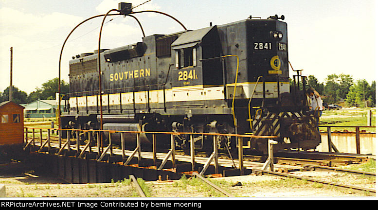 Southern 2841 up north