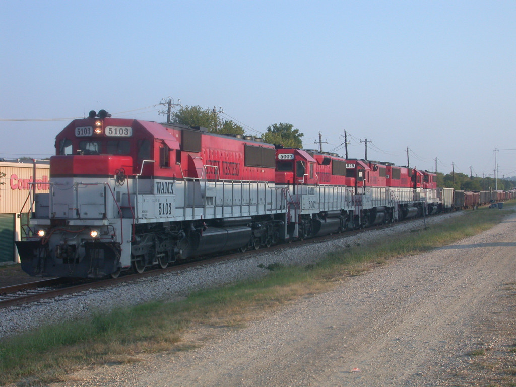 WAMX 5103  18Sep2008  SB approaching Oak Creek Dr along MoPac Expwy with aggragate