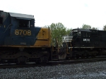 CSX #8708 (SD 60) and NS #2538 (SD 70)