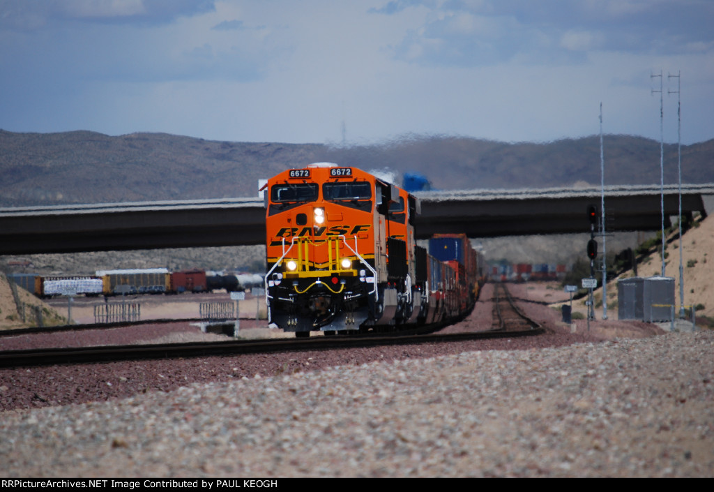 The Z CHI-SCO Intermodal Train heads Westbound with Two Very Very Brand New ES44C4's GE Locomotives leading the show!!! (BNSF 6672 and BNSF 6673)