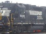 NS 5229 GP38-2