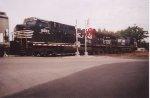 NS D9-40CW's 9885 & 9749