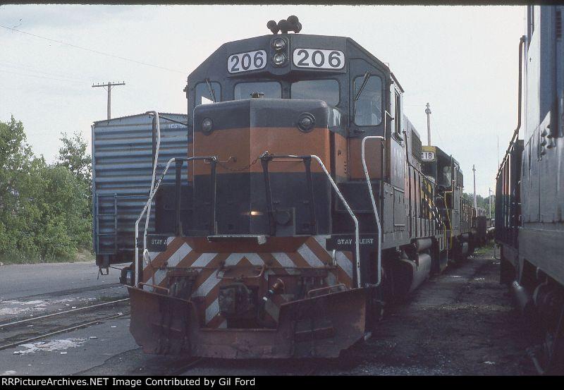 B&M 206(GP38-2)