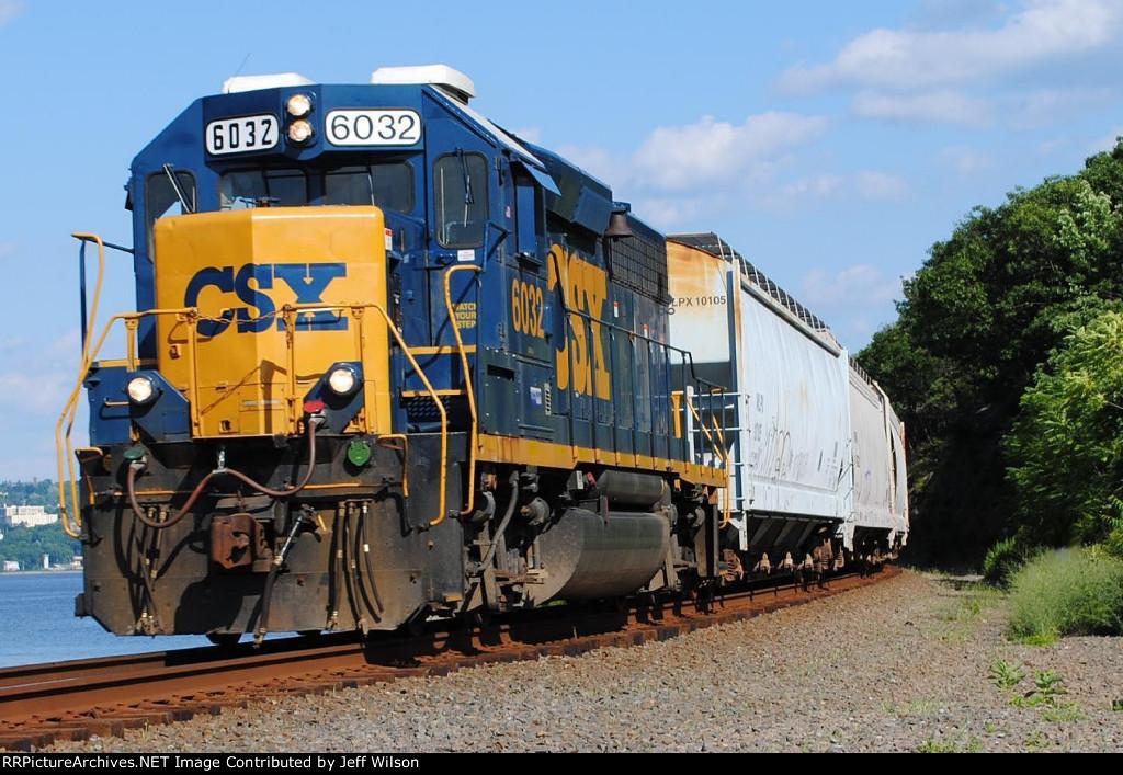 Same pic as the last one, no wayward railfan!