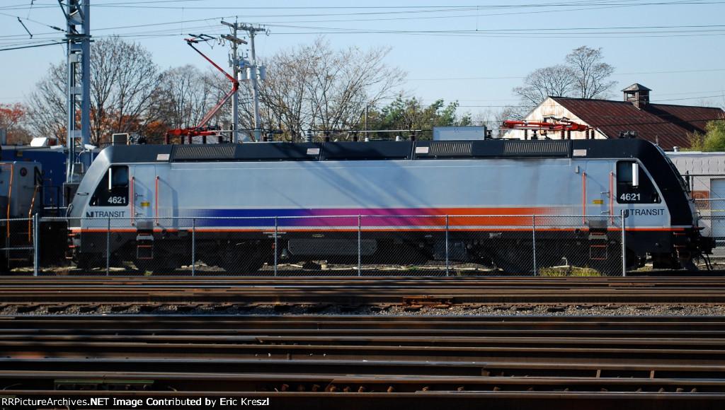 NJT 4621 On Track 10