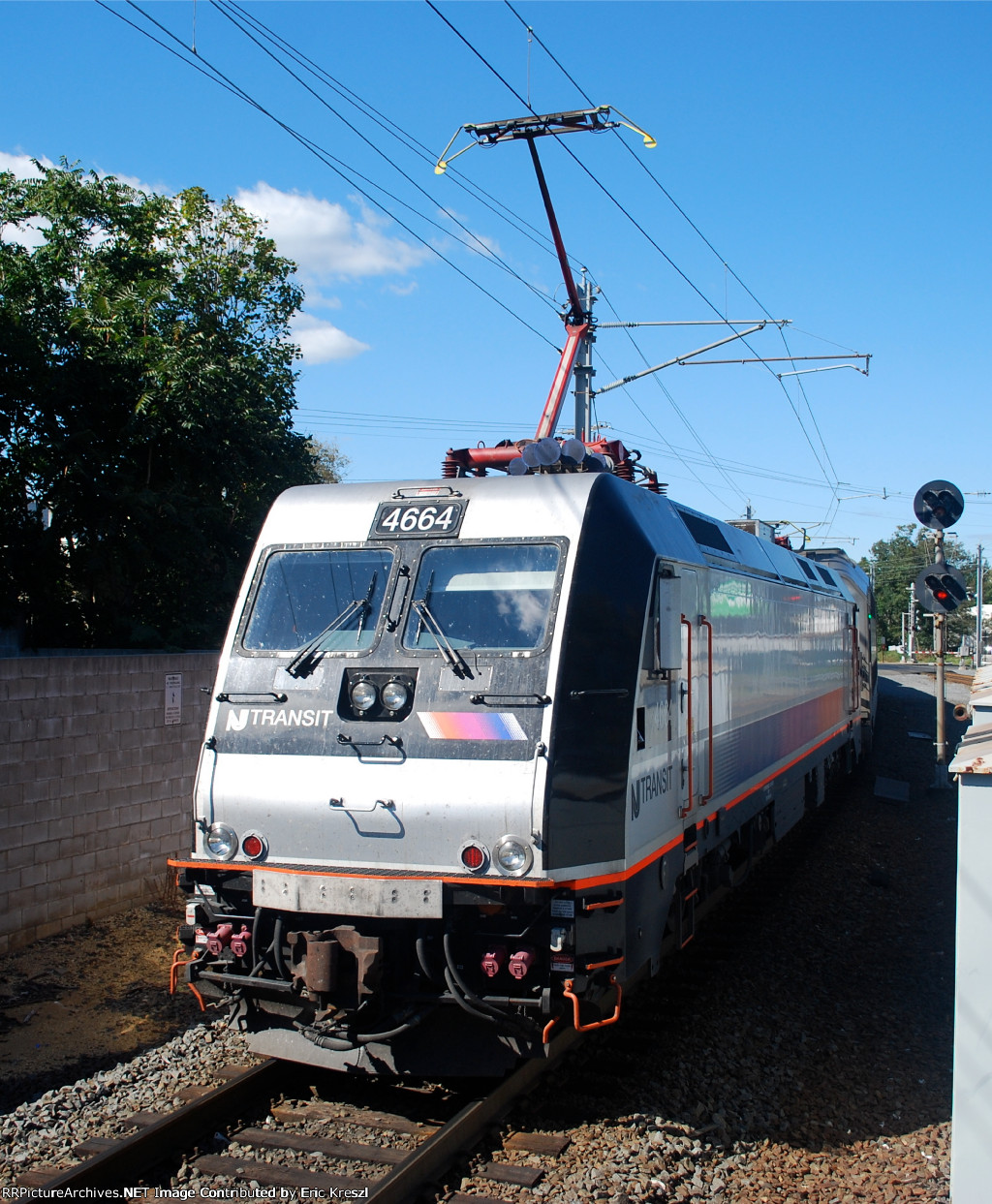 NJT 4664
