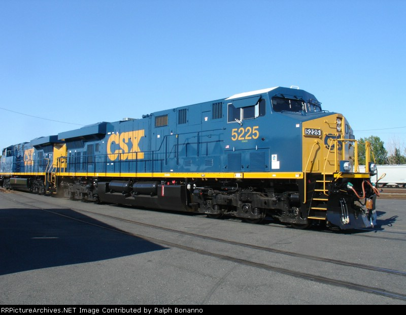 A slightly broader view of 5225  on Q439-06