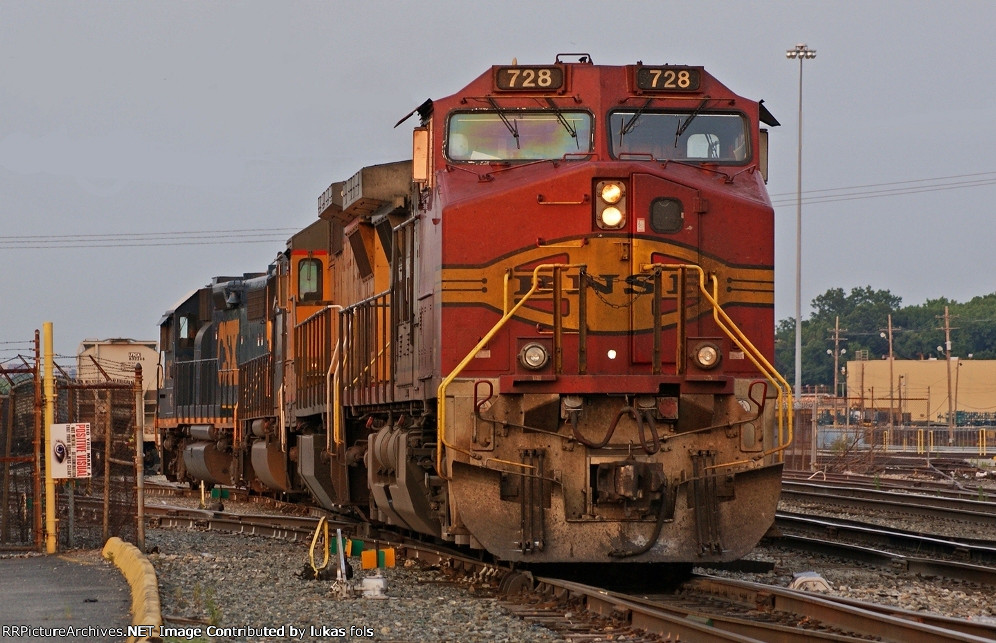BNSF 728