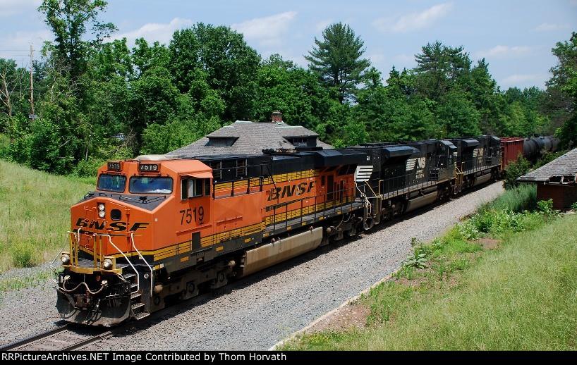 CSX K040 heads west over the Trenton Line @ 12:45 near MP 50