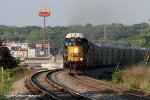 CSX SD40-3 4004 (Ex-L&N SD40-2 8021, CSX SD40-2 8021) leads Q235 south