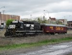 NS 3433 leads the Norfolk Southern Exhibit Car 27