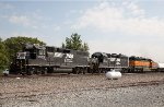 NS GP38-2 5572, NS GP40-2 3099, HCLX SD40-2 7915