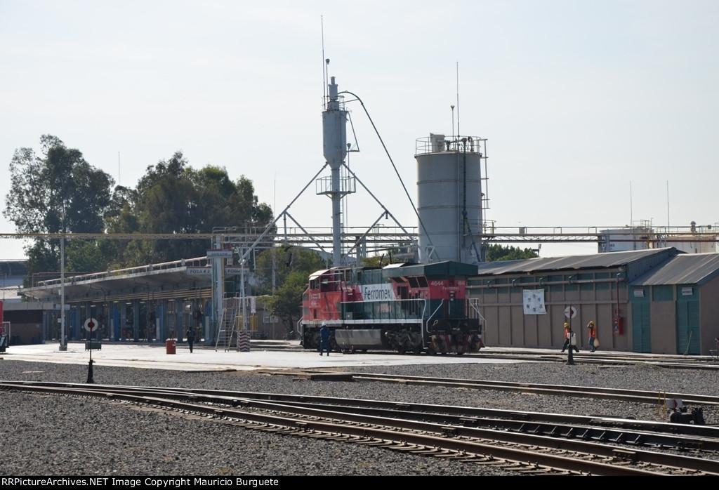 FXE ES44AC loco at sand tower