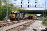 CSX 2711 leads W089 ballast train WB on the Old Main Line (OML)