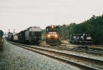 NS 8552 switching in Reys Yd.