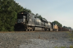 NS 8813 switching in Reys Yd.
