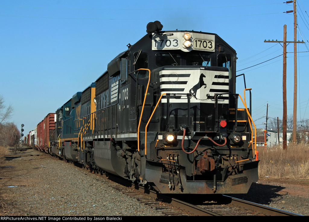 NS 1703 on Chemical Coast