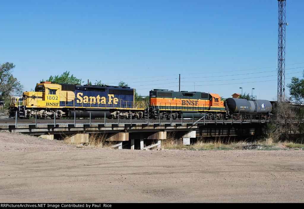 BNSF 1802 & BNSF 2292 Working The Yard