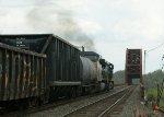 CSX 597 & 563 notching up as the locomotives approach the Castleton-On-Hudson Thru Truss Bridges over the Hudson River