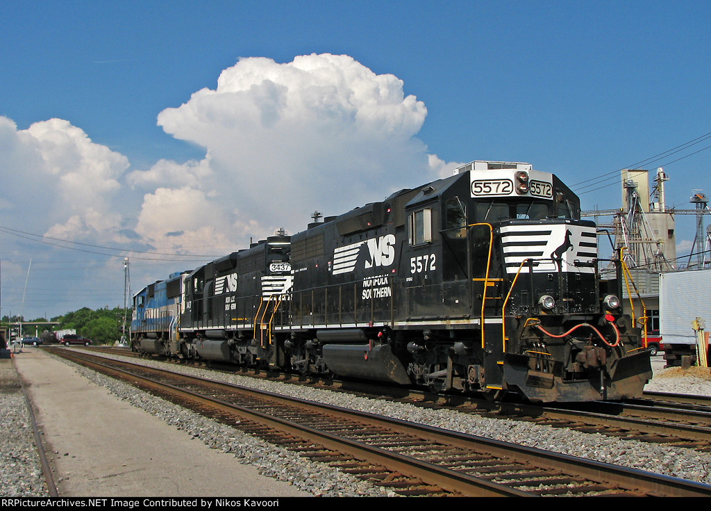NS 5572 on P14 with thunderheads building in the background