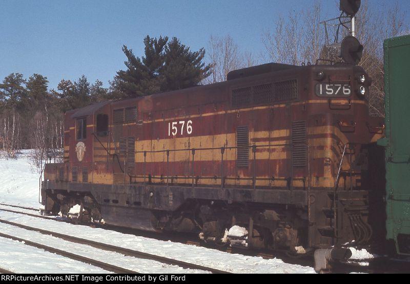 B&M 1576(GP-7)