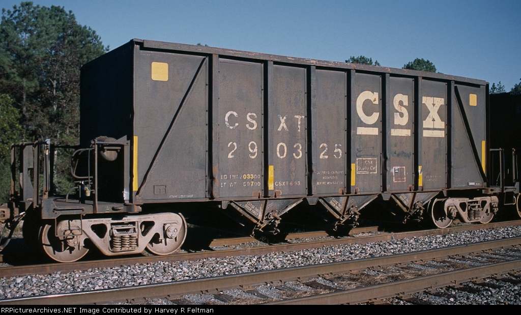 CSXT 290325, an aggregate service hopper awaiting placement for loading at the mine in Junction City,