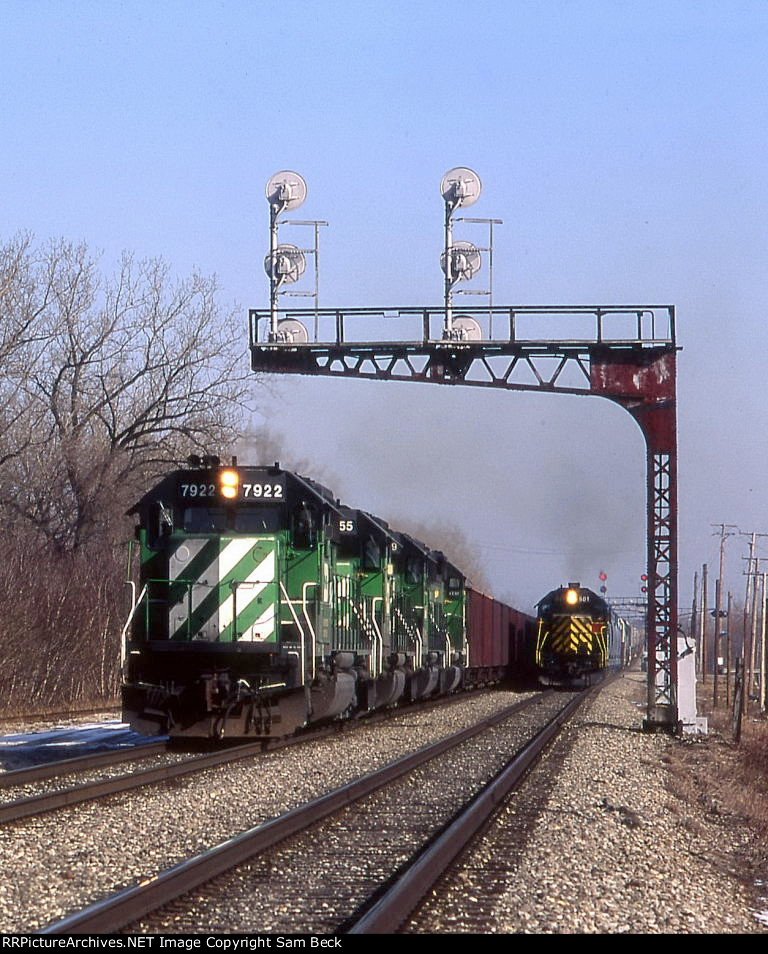 BN 7922, 8055, 6769, and 6321 on the Iowa Interstate