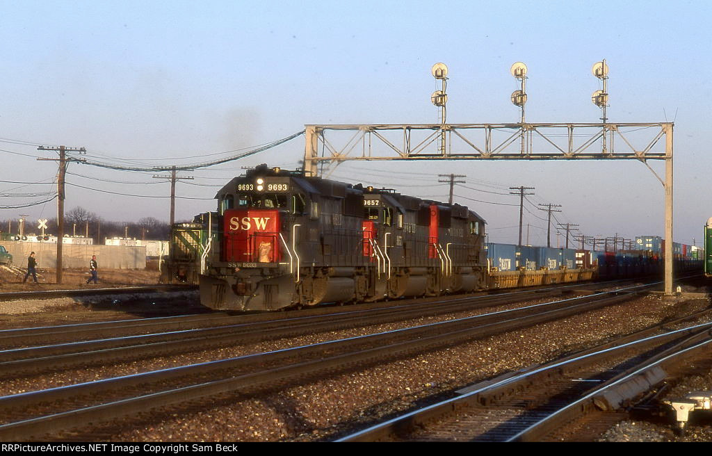 SSW 9693, 9657, and 9649 on CBSMF