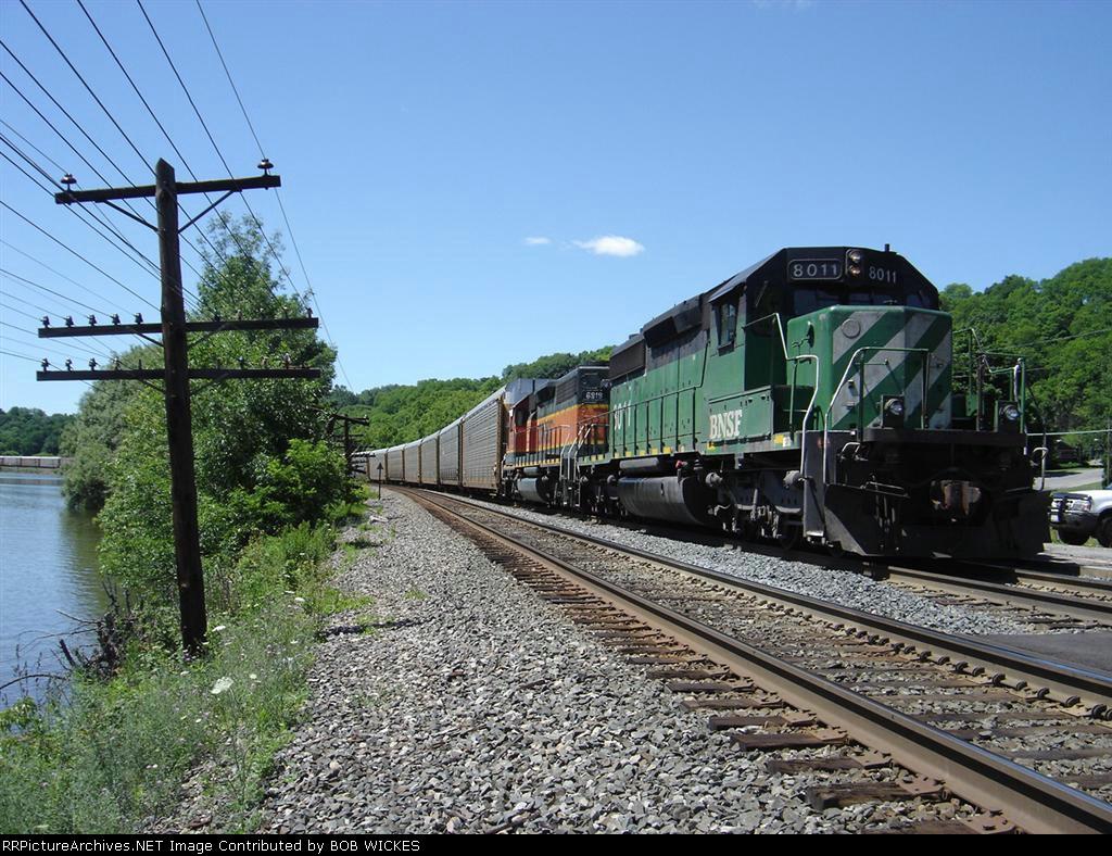 BNSF 8011