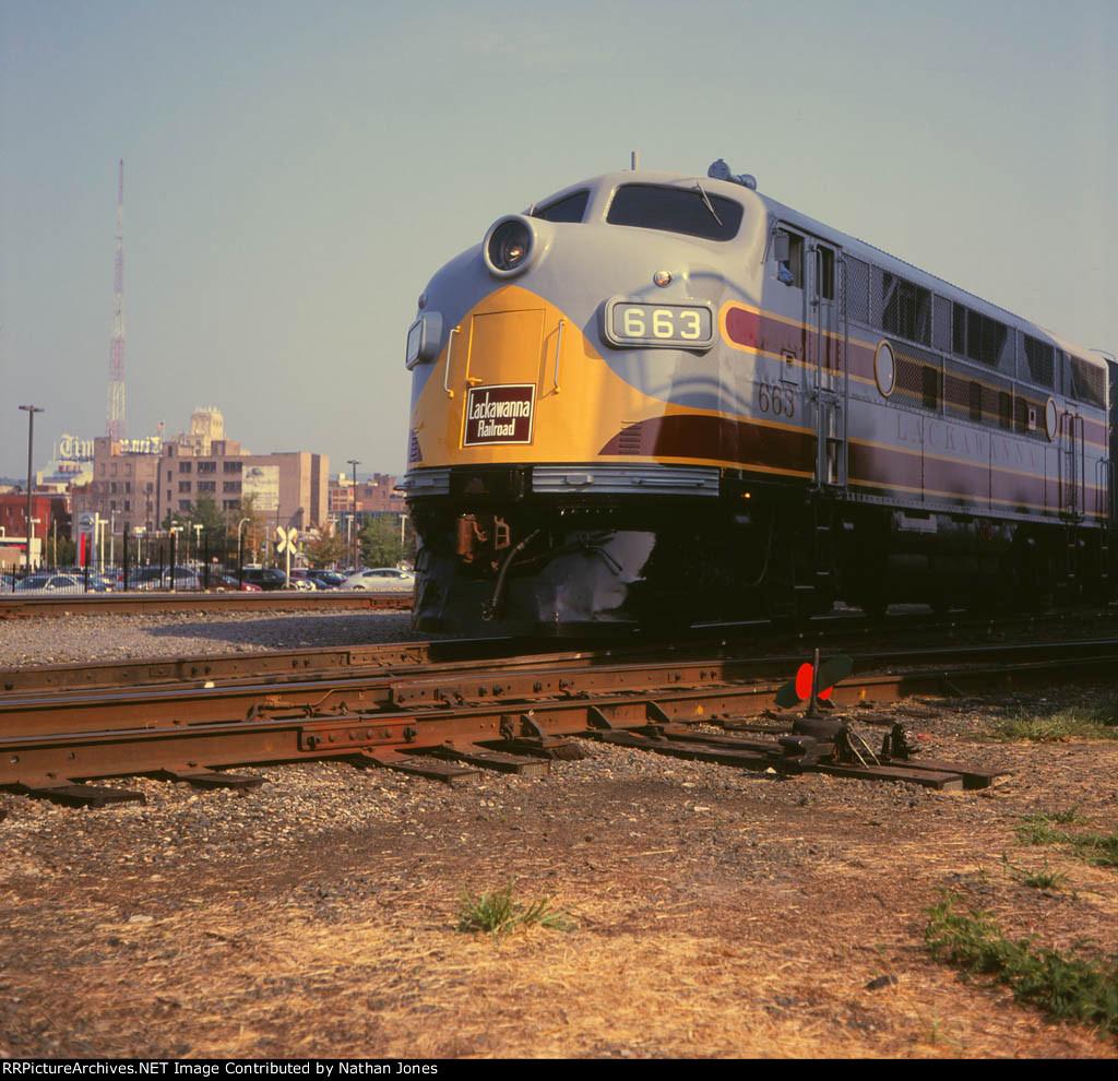DLW 663 Railfest
