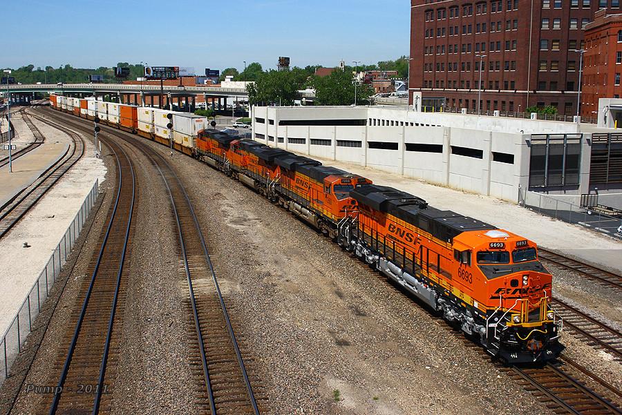 Eastbound BNSF Intermodal Train