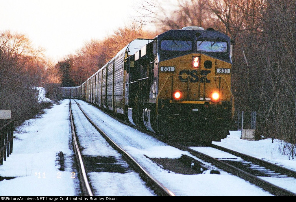 CSX 831 and 5418