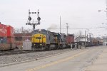 CSX NB freight meet NS SB intermodal