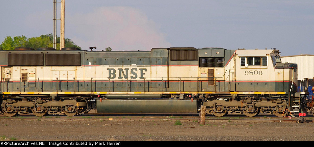 BNSF 9806