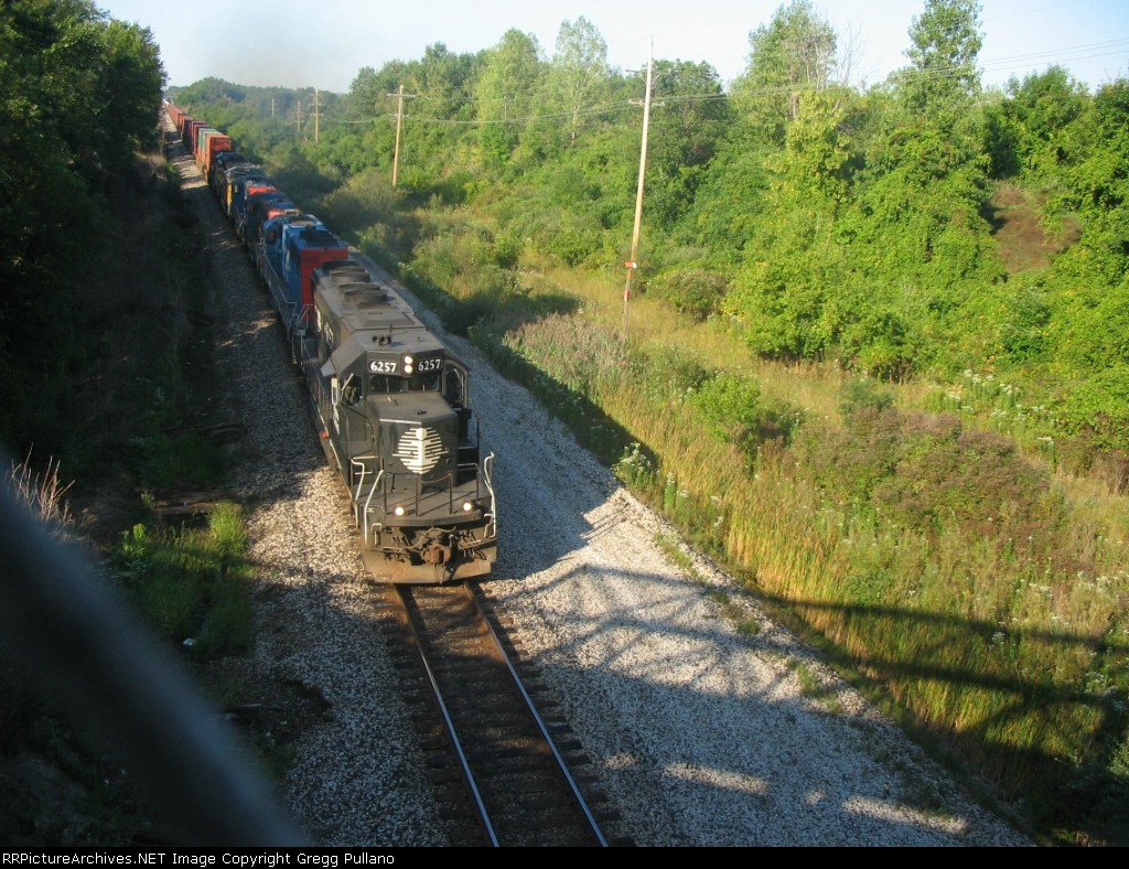 IC 6257 leads an impressive lashup of Power