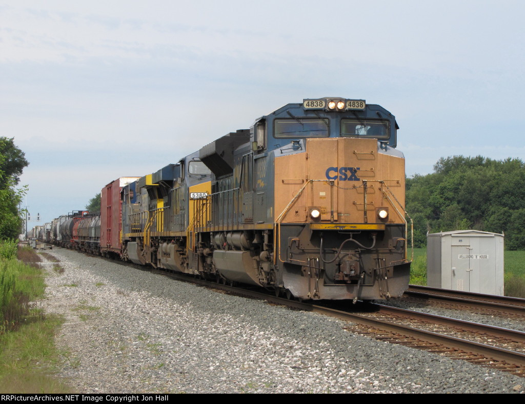 "CSX 4838 leads Q501 past the ""B"" House"