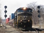 NS 9357 leads a short 24W into CP437