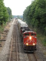 Q149 heads west with CN 8940 on the point