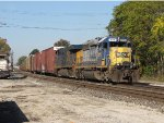 CSX 8116 & 5368 slow to a crawl before taking the Northwest Transfer with Q200