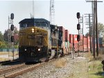 CSX 7736 & 7781 roll off the Southwest Transfer with Q147