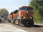 G344 heads east led by BNSF 1086 & 7485