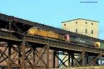 UP 6684 and 6313 on MacArthur Bridge