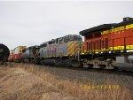 KCS GP40-2LW 4704 & NS SD60 6669